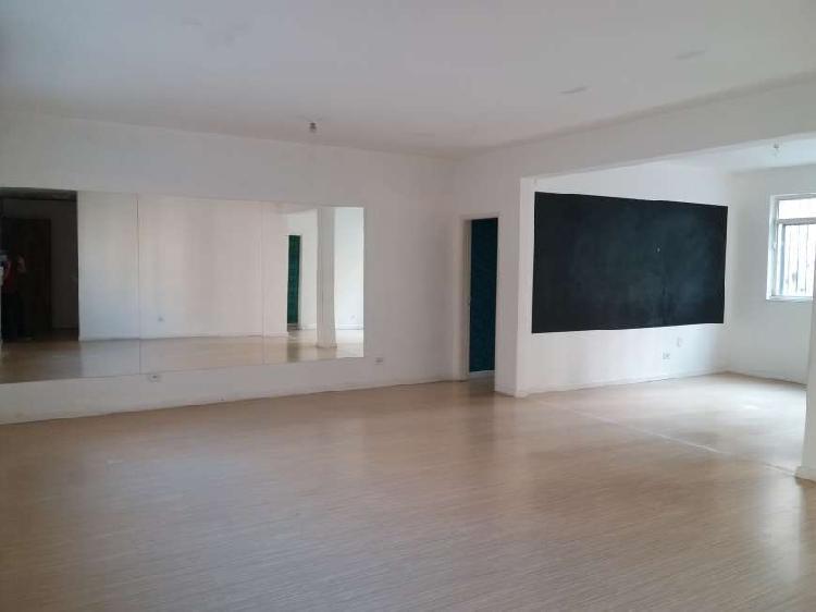 Sala comercial em ótima localização! 70m² próx. av.