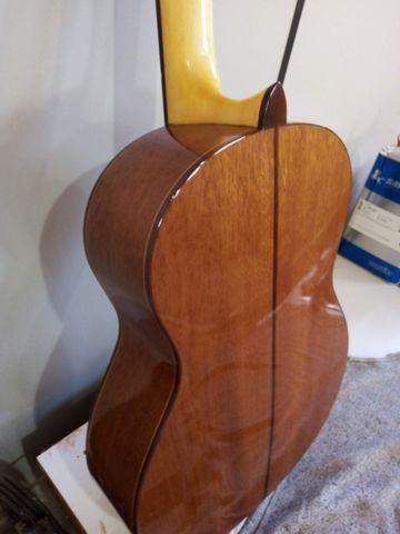Violão clássico, madeiras maciça (sem uso, eu sou