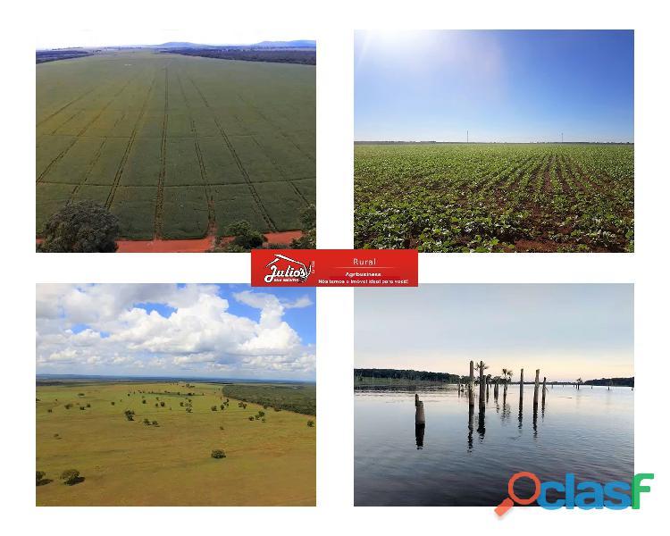 Fazenda em paracatu mg plantando soja e pecuária área 3.526 ha.