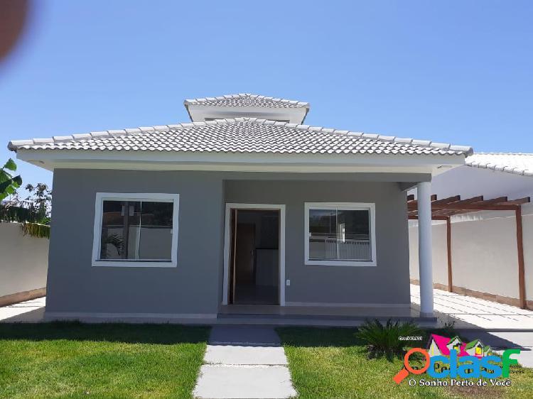 Casa linda a venda, 3 quartos, churrasqueira em itaipuaçú!