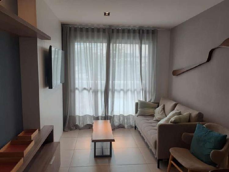 Apartamento amplo 3 qtos, 2 vagas finamente decorado e