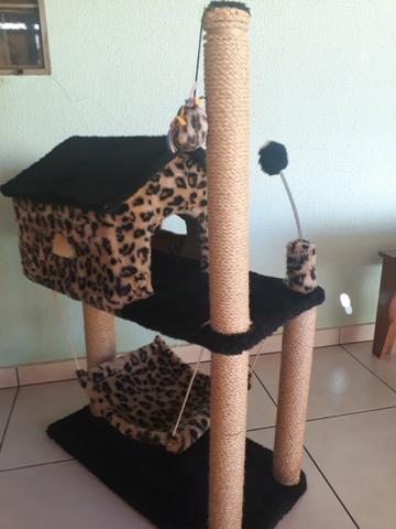 Arranhador casa com rede para gato