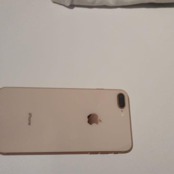 Iphone 8 plus pouco uso atualizado com caixa