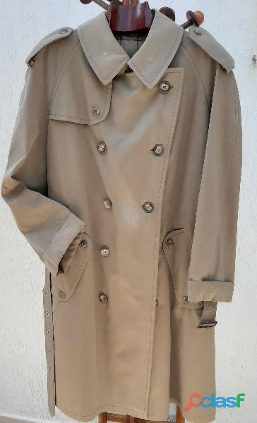 Sobretudo trench coat feminino, cor verde militar. Da Werther. 2