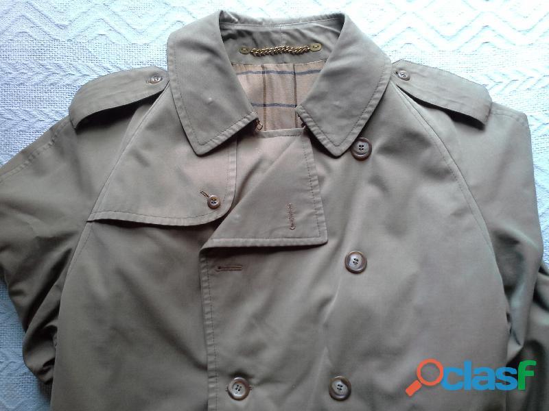 Sobretudo trench coat feminino, cor verde militar. Da Werther. 4