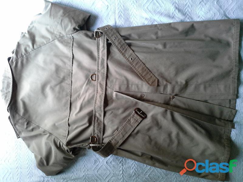 Sobretudo trench coat feminino, cor verde militar. Da Werther. 1