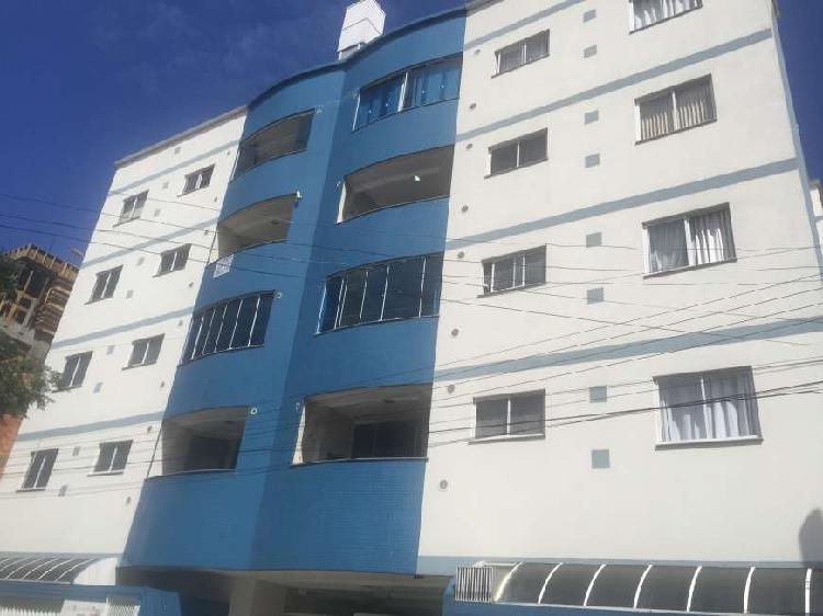 Apartamento mobiliado 02 dormitórios com vaga privativa