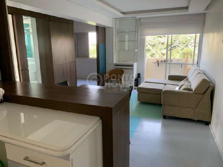 Apartamento com 2 dormitórios e 1 vaga no bairro do bosque