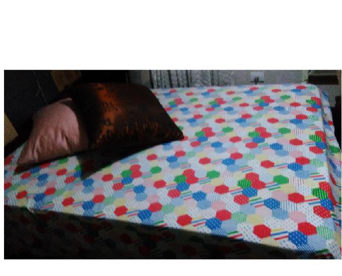 Vendo cama de casal com colchão novo