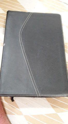 Bíblia de estudo nvi (ótimo estado)