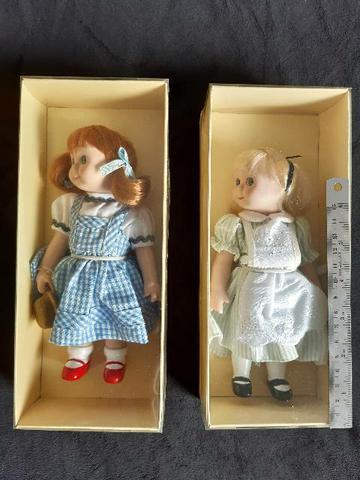 Boneca porcelana alice e dorothy