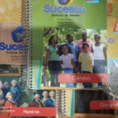 Livros 8° ano coleção da editora sucesso