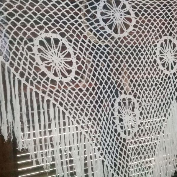 Lenço, cortina, echarpes, ponchos, xale