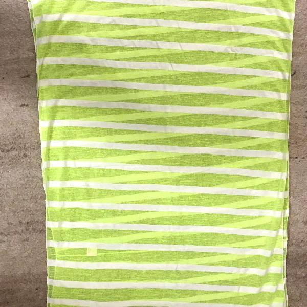 Lenço verde claro e branco, listado