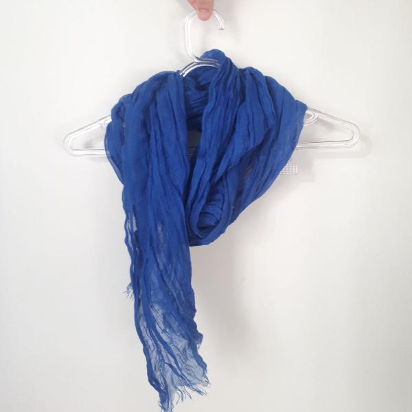 Lenço/echarpe azul