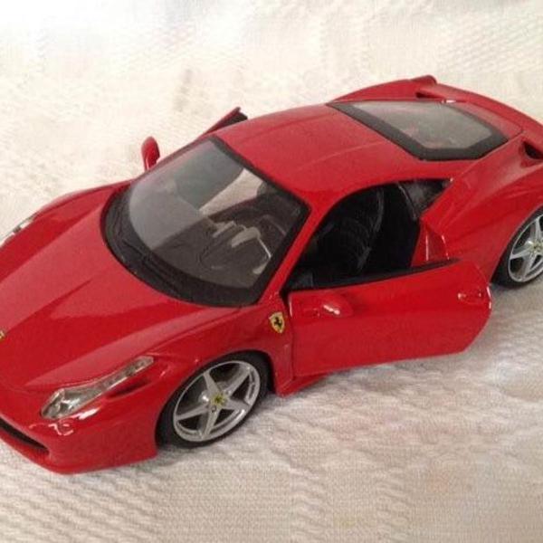 Miniatura carro ferrari 458 italia 1:24 maisto vermelha
