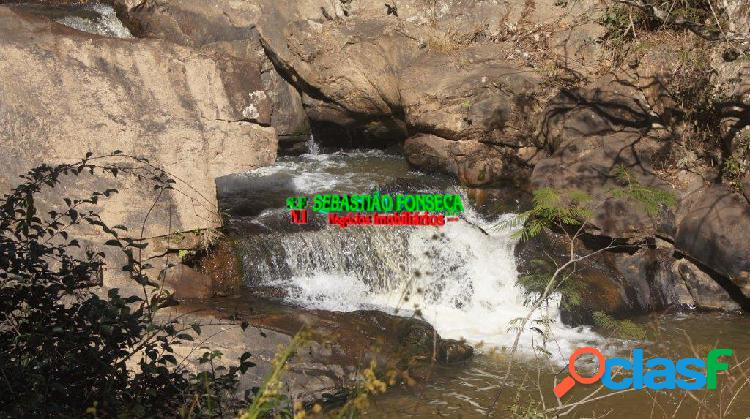 Bela fazenda com cachoeiras, mata e eucalipto em cunha