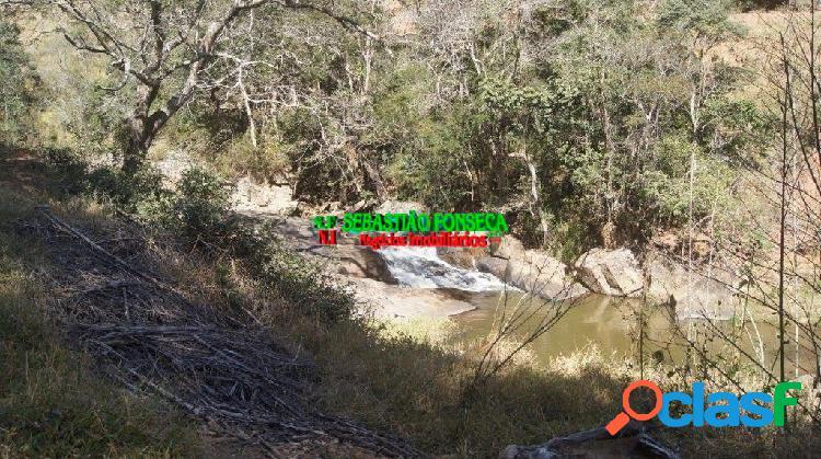 Bela fazenda com Cachoeiras, mata e eucalipto em Cunha 1