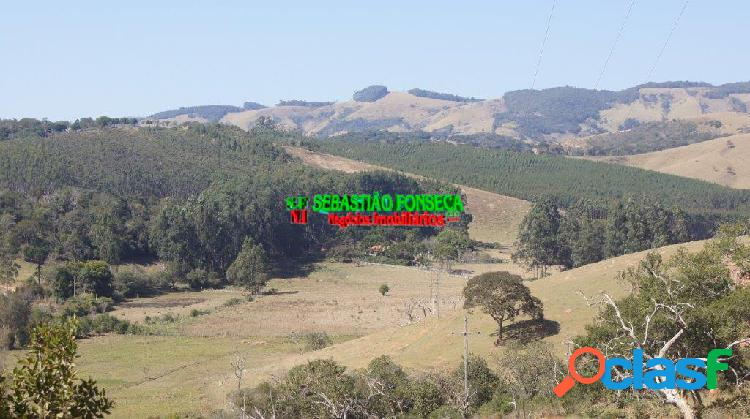 Bela fazenda com Cachoeiras, mata e eucalipto em Cunha 2