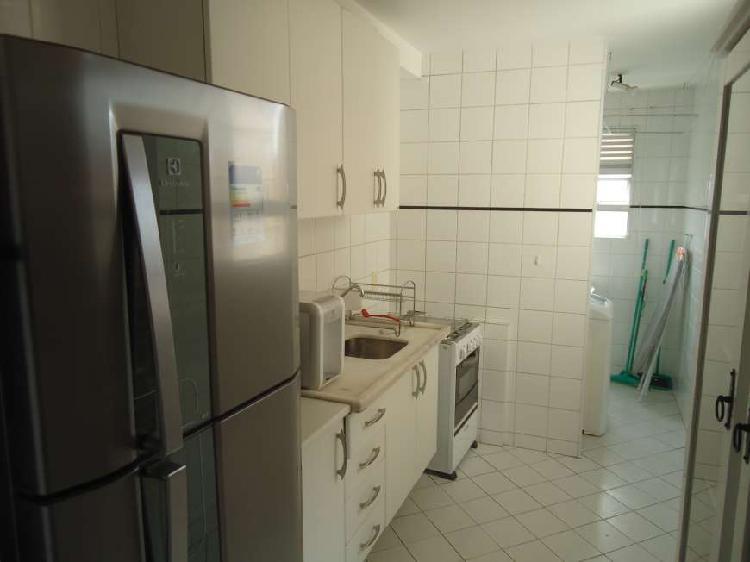 Portal do morumbi: 2 dts, 1 wc, living 2 ambientes c/