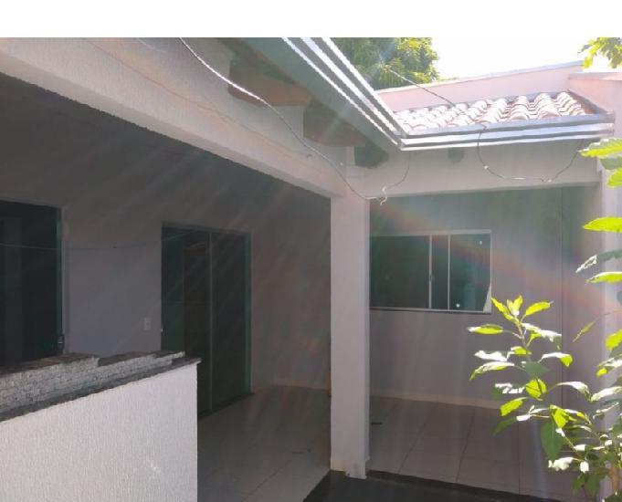 Aluga-se casa 2 quartos rua monte branco jardim serrano