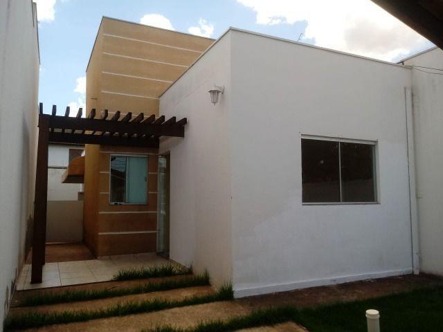 Aluguel casa no bairro santa cruz 2 - 3 quartos sendo um