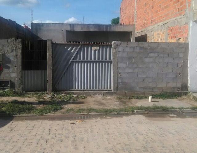 Casa em fase de acabamento à venda na cidade de feira de