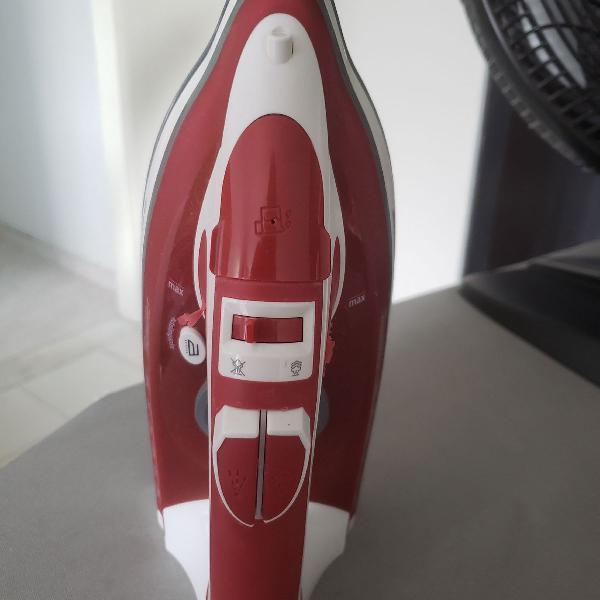 Ferro a vapor lumina red black & decker aj3000v - 5