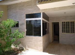 Alugo casa jd. brasil