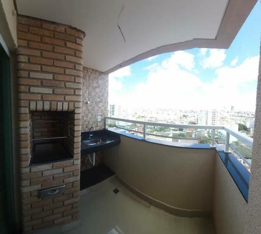 Apartamento no bairro santa mônica com churrasqueira