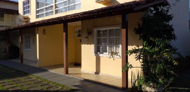 Casa duplex em condomínio na enseada azul - guarapari