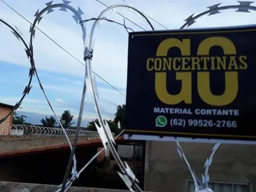Instalação de cercas concertinas