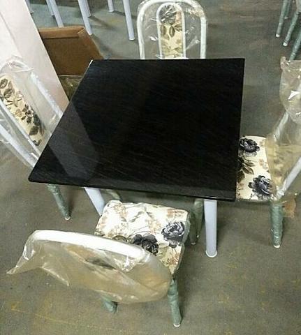 Mesa nova c/ cadeiras - frete gratuito