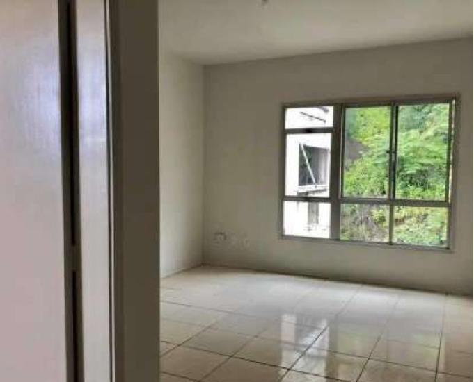 R$ 900 tijuca alugo apartamento 2 quartos vaga de garagem