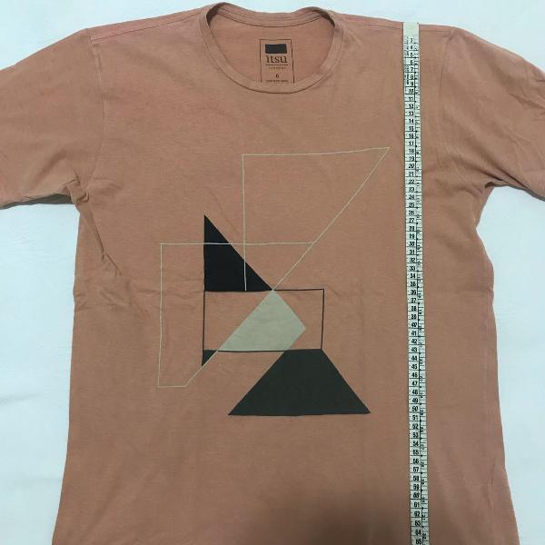 Camiseta itsu design