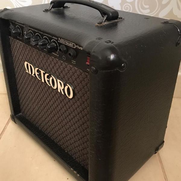Cubo amplificador guitarra meteoro nitrus drive15