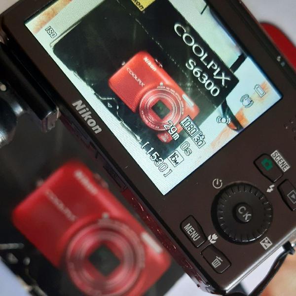 Máquina fotográfica digital nikon