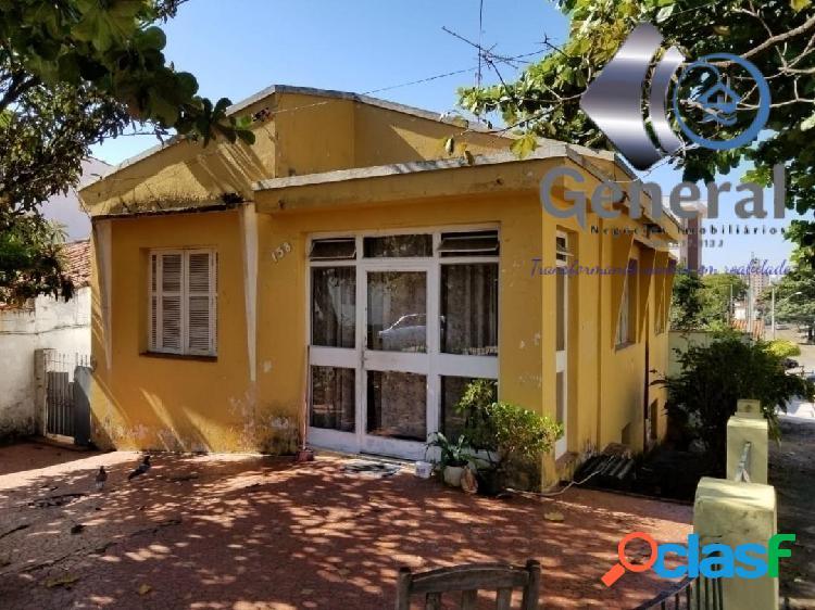 Ótima casa de esquina, com terreno de 300 m², bairro sta terezinha.