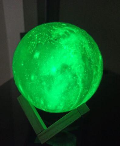 Luminária 3d serve como abajur