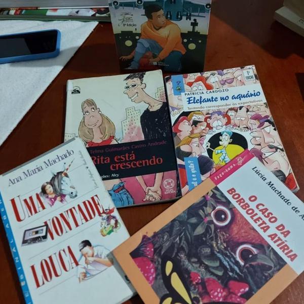 Combo de livros juvenil