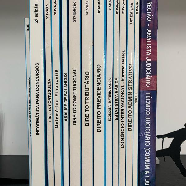 Pacotão com 15 livros para estudar para concursos