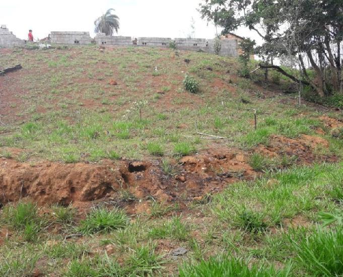 Chácara de 1200m2 em mateus leme - minas gerais