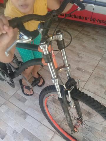 Vendo bicicleta semi nova ou troco por kart ou televisão