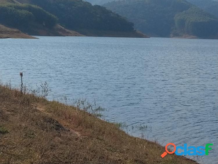 Sítio 3 alqueires à venda em sjcampos com acesso à represa de santa branca.
