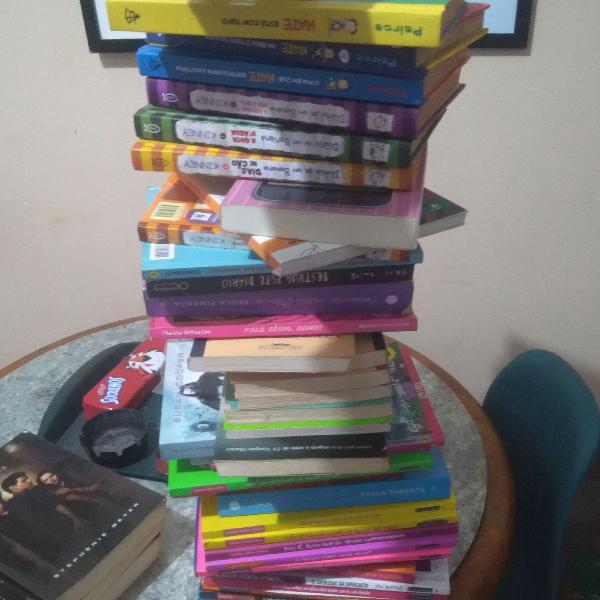 Lote de livros infanto juvenil