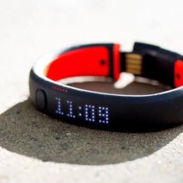 Relógio nike + fuelband pode baixar app nike no iphone