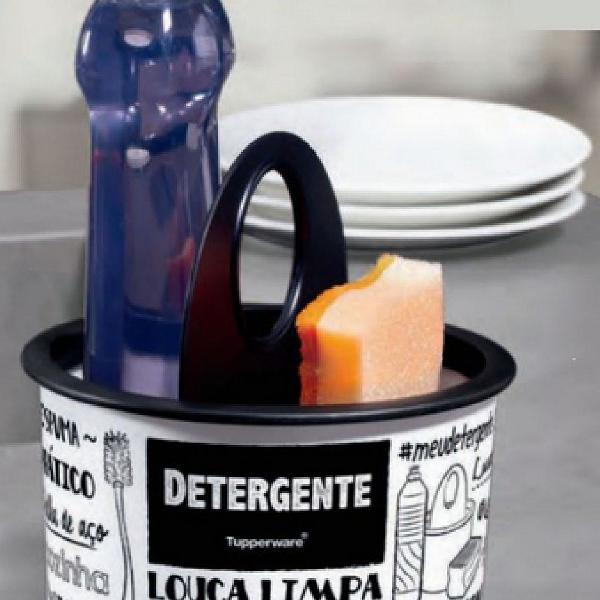 Tupper clean tupperware
