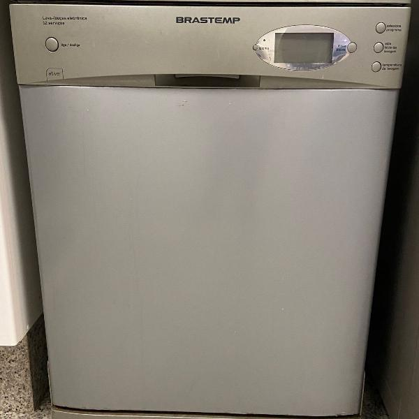 Máquina lavar louças 12 serviços brastemp