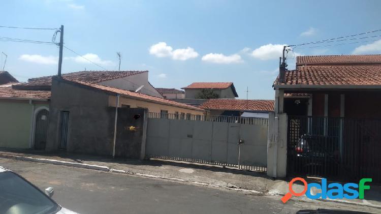 2 ediculas com área de terreno no total de 300m². na vila industrial