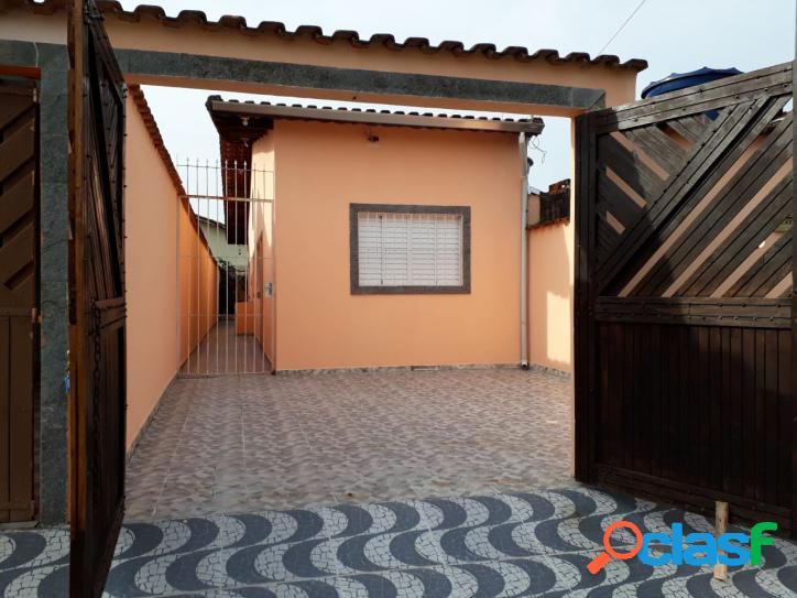 Casa 2 dorms- suíte - churrasqueira - bairro residencial - mongaguá